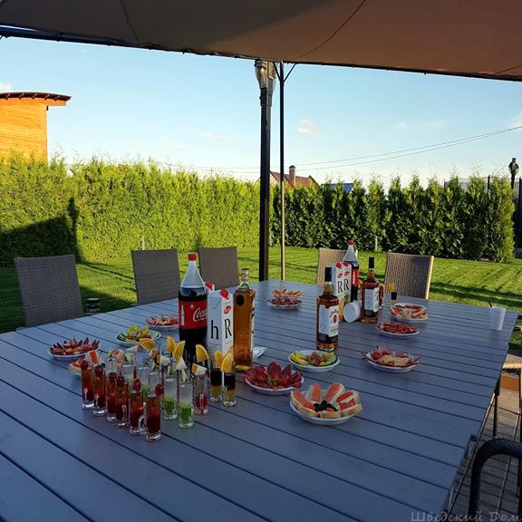 Стол под навесом | Шведский Дом Гомель