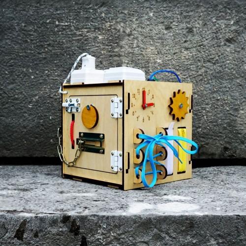 Бизиборд Куб 25 см свет и звук